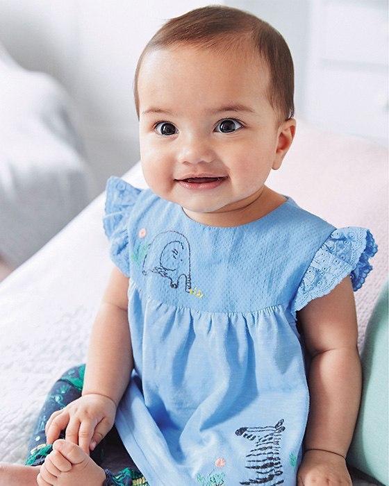 نوزادی دخترانه